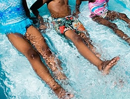 Parenting - child - water safety - kids swimming