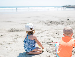 Parenting - child - water safety - beach for kids