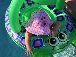 Parenting - child - water safety - public pool